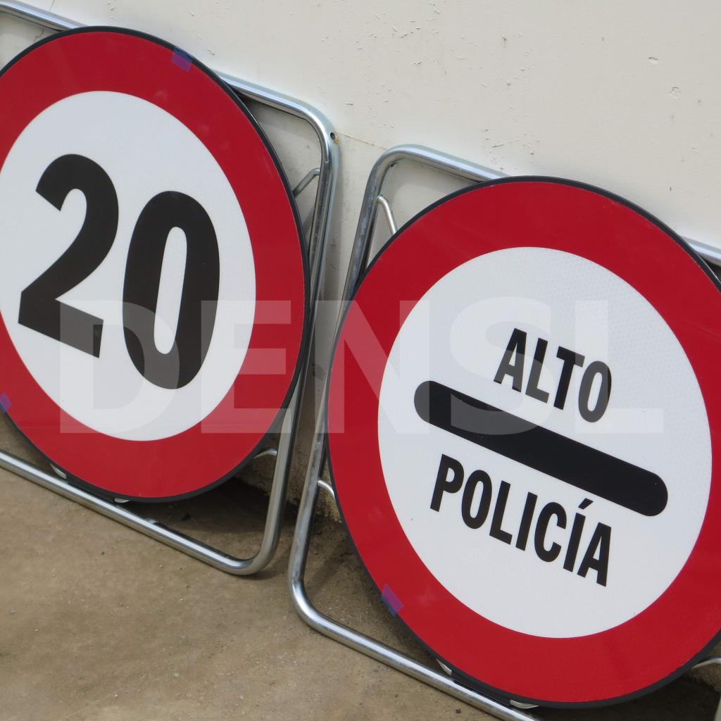 Señales plegables para policía