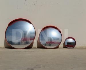 Tres modelos de espejos de tráfico