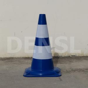 Cono azul flexible de 50cm y dos bandas reflectantes.